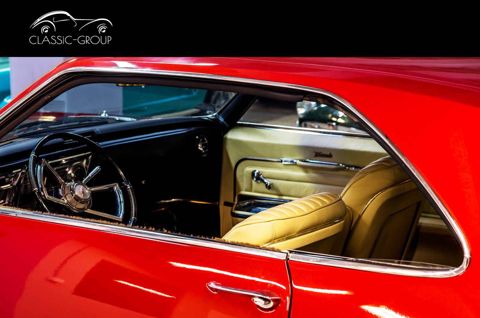 Oldsmobile Toronado (1965)-Classic Group